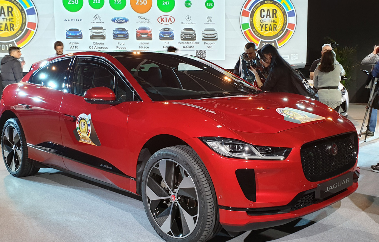 2019-Geneve-Jaguar-I-PACE-car-of-the-year