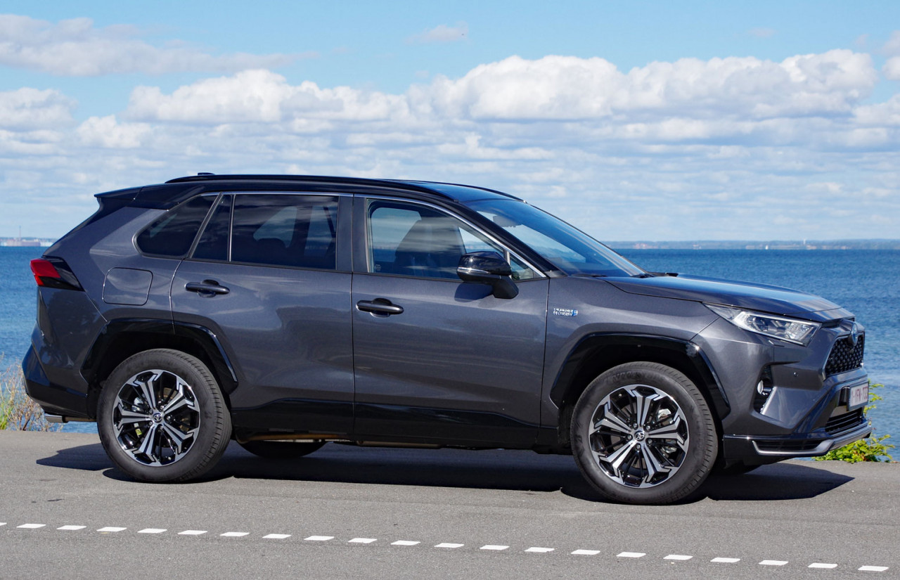First World Test: Toyota RAV4 Plug-in Hybrid