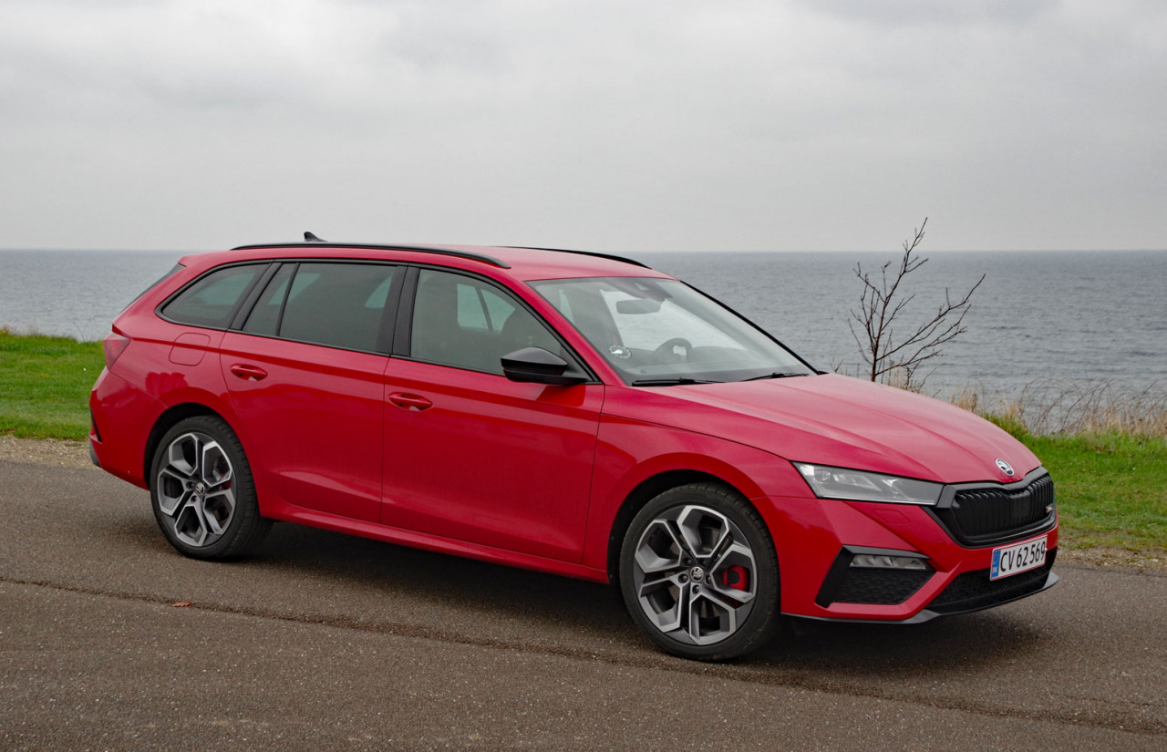Videotest: 245-hestes plug in hybrid i RS-dress