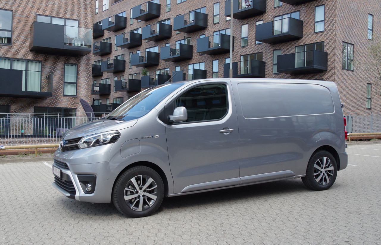 Toyota-Proace-Electric-FE